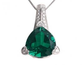 Srebrn obesek LOVE BEAM s smaragdi