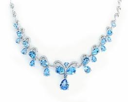 Srebrna ogrlica Papillon modri topaz