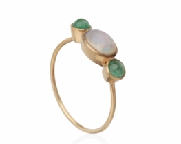 Zlat prstan OPAL s smaragdi