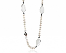 Biserna ogrlica s kameno strelo