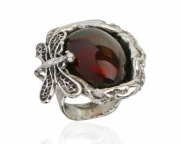 Srebrn prstan KAČJI PASTIR z jantarjem