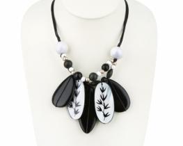 Modna ogrlica PANDA 28 x 60 mm
