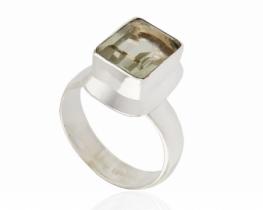 Srebrn prstan z zeleni ametist 9 x 11 mm