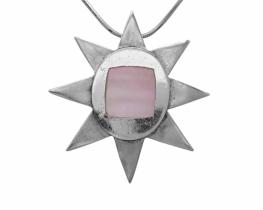 Srebrn obesek Zvezda z bisernico