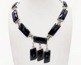 Srebrna ogrlica črni ONIKS Sandy