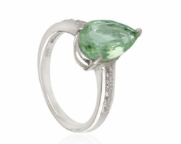 Srebrn prstan ABELIA zeleni ametist 8 x 12 mm