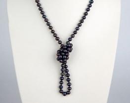 Biserna ogrlica ČRNA ORHIDEJA 110 cm