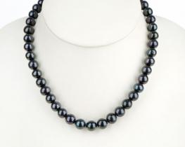 Biserna ogrlica EVITA P. - črni biseri 10 mm