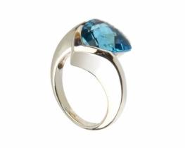 Srebrn prstan BLUE TRILLION 12 mm