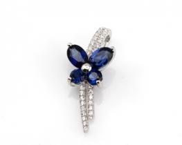 Obesek  LOVE SMILE Papilio z modrimi safirji in cirkoni