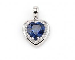Obesek LOVE HEART z modrim safirjem