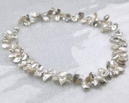 Ogrlica iz biserov KEISHI 9 mm