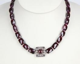 Ogrlica iz granata ALEA