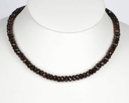 Ogrlica iz granata 5 x 7 mm