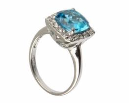 Prstan LOVE BLUE z modrim topazom Q8 mm