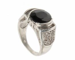 Srebrn prstan BOEM z modrim safirjem