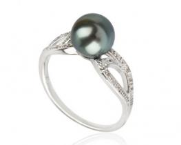 Srebrn prstan CELINE - TAHITI biser z belimi safirji
