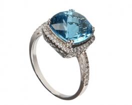Srebrn prstan LOVE BLUE z modrim topazom in cirkoni Q10