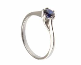 Srebrn prstan LOVE BEAM naravni modri safir 4 mm