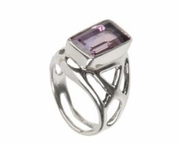 Srebrn prstan PRAVOKOTNIK iz ametista