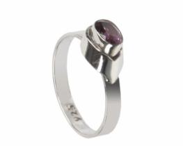 Srebrn prstan z ametistom