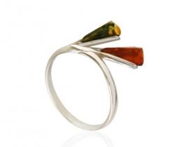 Srebrn prstan z jantarjem ELVIRA