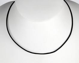 Usnjen trak s srebrno zaponko
